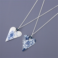 Picture of Denim Medium Heart & Crystal Necklace JS7b-de