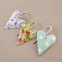 Picture of Medium Heart Earrings JE12