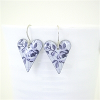 Picture of Grey Floral Medium Heart Earrings JE12-GF